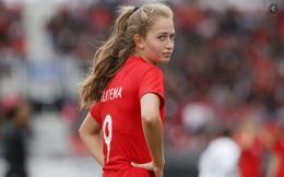 Cầu thủ xấu trai nhất Bayern tán đổ cô nàng xinh như hoa hậu