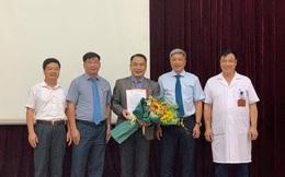 """""""Bác sĩ Covid-19"""" Nguyễn Trung Cấp được bổ nhiệm làm Phó Giám đốc BV Bệnh Nhiệt đới T.Ư"""