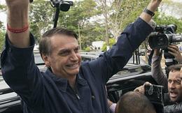 Tổng thống Brazil lại bị chỉ trích vì vừa khỏi Covid-19 đã không đeo khẩu trang
