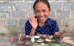 """Hết siêu to khổng lồ, bà Tân Vlog bất ngờ chuyển sang làm đồ ăn siêu nhỏ với """"căn bếp"""" kỳ lạ, nấu xong cũng chỉ đủ cho bà thưởng thức một mình"""