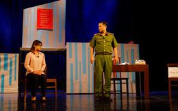 """Nhà hát Tuổi trẻ ra mắt vở kịch hot """"Bộ cảnh phục"""""""