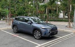 Toyota Corolla Cross lần đầu lộ diện tại Việt Nam: Động cơ Hybrid, xuất hiện chi tiết lạ quanh xe