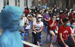 """Báo Đức: COVID-19 """"tái xuất"""" bí ẩn, Việt Nam quyết tâm không để vuột mất thành quả chống dịch"""