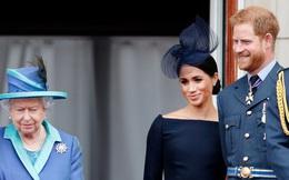 Nữ hoàng Anh bất ngờ bị chỉ trích vì lời tuyên bố của cháu dâu Meghan Markle, cuộc chiến hoàng gia bây giờ mới thật sự bùng nổ?