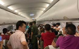 Nam hành khách ở TPHCM lăng mạ tiếp viên, khách xung quanh do tranh giành chỗ bị cấm bay 1 năm