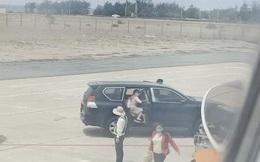 Xe biển xanh vào sát máy bay đón Phó Bí thư Phú Yên