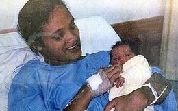 Người mẹ bị kẻ xấu tiếp cận bắt cóc con gái mới sinh, đau khổ suốt 18 năm mới biết đứa trẻ sống cách nhà chỉ hơn 1 cây số