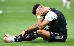 """Man United tiến sát vé dự Champions League; Ronaldo thua muối mặt trong """"đại chiến"""" với Ibra"""