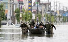 Mưa lũ không dứt, hàng nghìn ngôi nhà ở Nhật Bản chìm trong nước
