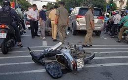 4 thanh niên nghi cướp giật phóng bạt mạng trên đường, tông vào đuôi ô tô khi bị đặc nhiệm truy bắt ở Sài Gòn