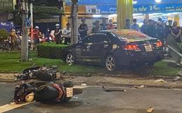 Ảnh, clip hiện trường vụ xe ô tô Camry đâm hàng loạt xe máy ở Bình Thạnh, TP HCM