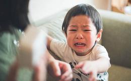 Khi con bước vào giai đoạn khủng hoảng tuổi lên 2, đây là những cách để cha mẹ dập tắt các cơn ăn vạ dễ dàng