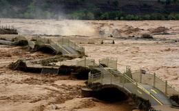 """TQ: Mưa lũ đột ngột chuyển biến xấu, tiết lộ """"thủ phạm"""" khiến lũ lụt gây thiệt hại nghiêm trọng"""