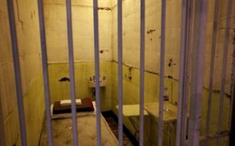 Phạm nhân vận chuyển 55 bánh heroin tự tử trong trại tạm giam