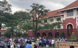 Bất chấp lệnh cấm, 1 trường ở Biên Hòa vẫn cho hơn 800 học sinh đi học