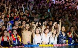 Vũ Hán mở đại tiệc bể bơi với hàng nghìn người tham gia, chẳng ai đeo khẩu trang: Điều không tưởng?