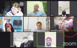 Đang họp hội đồng online thì cảnh nhạy cảm xuất hiện khiến các thành viên ngượng chín mặt