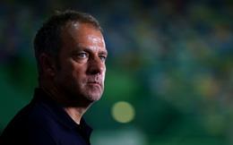 Bayern đánh bại Lyon, HLV Hansi Flick vẫn chê bai hàng phòng ngự