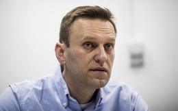 """RT: Chính trị gia đối lập Nga tới Đức dưới danh """"khách của Thủ tướng"""", dùng xe cứu thương quân đội"""