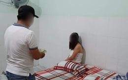 Bắt quả tang 3 đôi nam nữ đang mua bán dâm trong nhà nghỉ