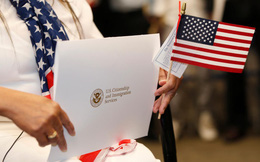 """Hộ chiếu không còn toàn năng: Người Mỹ đổ xô đi tìm """"bùa hộ mệnh"""" bằng quốc tịch thứ hai"""