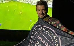 David Beckham bỗng có ngày đăng ảnh 'đầu bù tóc rối' lên MXH, các fan hoàn toàn thông cảm khi nghe ngài Becks giải thích lý do
