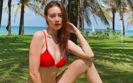 Ninh Dương Lan Ngọc tung ảnh bikini nóng bỏng