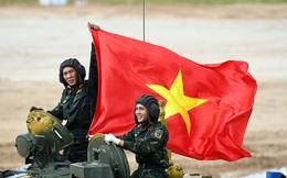 Việt Nam gây ấn tượng mạnh tại Tank Biathlon 2020; BTR-80 cháy động cơ ngay giữa đường đua