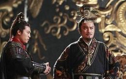 Tại sao Tần Thủy Hoàng là vị vua duy nhất mặc áo long bào đen?