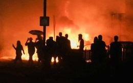 Dân Mỹ biểu tình xuyên đêm, đốt phá nhà cửa và hàng chục ô tô