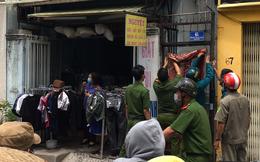 Phát hiện vật thể lạ quấn nhiều lớp khăn, bốc mùi hôi thối trong vali trước dãy trọ ở Sài Gòn