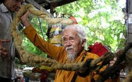 Cụ ông người Việt với bộ tóc dài gần 5m lên báo nước ngoài, tiết lộ niềm tin mạnh mẽ khiến ông không dám cắt suốt 80 năm qua