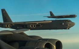 """Mỹ giăng bẫy đưa phòng không Nga vào tròng: Bất ngờ vai trò của """"pháo đài bay"""" B-52"""
