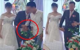 """Chú rể lấy túi ni lông trong túi áo giũ ngay trên sân khấu hôn lễ, hành động sau đó với một người đàn ông gây bất ngờ nhưng chi tiết cuối mới """"ăn điểm"""""""