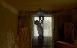 Bóng dáng người bố bế con giữa căn nhà bỏ hoang và loạt ảnh cùng những mẩu chuyện ngắn đi kèm có thể khiến người xem thao thức cả đêm