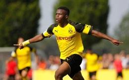 Bundesliga sửa luật vì thần đồng Moukoko