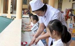 Chăm sóc trẻ mắc tay chân miệng đúng cách