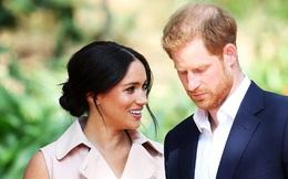 Đúng vào ngày sinh nhật của mình, Meghan Markle bị tố khai gian tuổi tác, lớn hơn Hoàng tử Harry rất nhiều