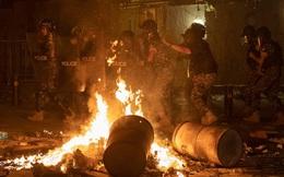 Dân Beirut xuống đường bạo loạn, đốt phá sau thảm kịch nổ kho hoá chất