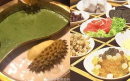 Một nhà hàng lẩu Trung Quốc đãi thực khách bằng món lẩu matcha sầu riêng, cư dân mạng bình luận: Để mị dẫn người yêu cũ đi ăn!