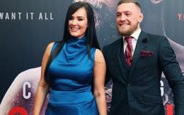 """""""Gã điên"""" Conor McGregor đính hôn với bạn gái Dee Devlin sau 12 năm bên nhau"""