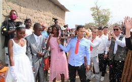 Màn bê lễ đậm chất Việt Nam trong đám cưới ở châu Phi và những chuyện giờ mới được bật mí