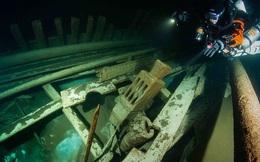 """""""Tàu ma"""" hiện hình nguyên vẹn sau 400 năm bị biển Baltic """"nuốt chửng"""""""