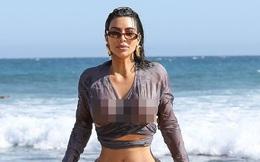 Kim Kardashian thả dáng bốc lửa trên biển Malibu