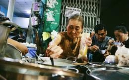 """""""Quán"""" chè đèn dầu gần nửa thế kỷ giữa lòng thành phố Sài Gòn"""