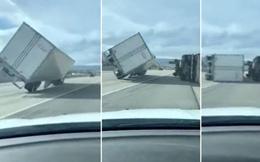 Video: 45 xe tải bị lật nhào do bão lớn trên đường cao tốc, 4 lái xe bị thương