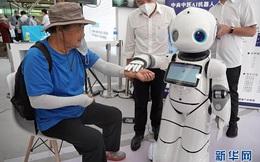[Video] Robot tranh tài tại Hội chợ thương mại dịch vụ quốc tế Trung Quốc 2020