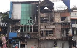 Cháy lớn ở Sài Gòn, 3 căn nhà gồm chi nhánh ngân hàng cùng 2 cơ sở kinh doanh bị thiêu rụi