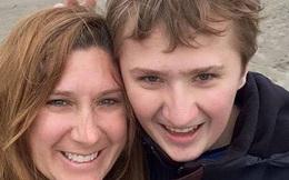 Sau 19 năm đi khám, chàng trai 20 tuổi mới phát hiện mình là người duy nhất trên thế giới mắc cùng lúc 2 bệnh hiếm