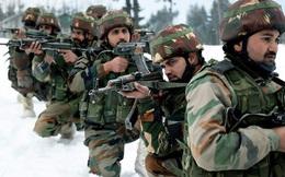 """""""Dãy núi ăn thịt người"""": Cựu tướng Ấn Độ nêu điểm mấu chốt khiến binh sĩ TQ không thể thắng tại vùng biên giới"""